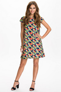 RIVER ISLAND SSLV PANSY PRINT DRESS499.- NELLY.COM KÖP HÄR