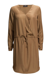MODSTRÖM HATTY CAMEL DRESS 560.- BOOZT.COM