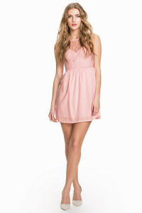 RUT&CIRCLEMUST JOANNA DRESS59.- NELLY.COM KÖP HÄR