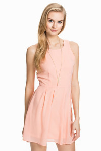 RUT&CIRCLEPRICE PEACHES DRESS99.- NELLY.COM KÖP HÄR
